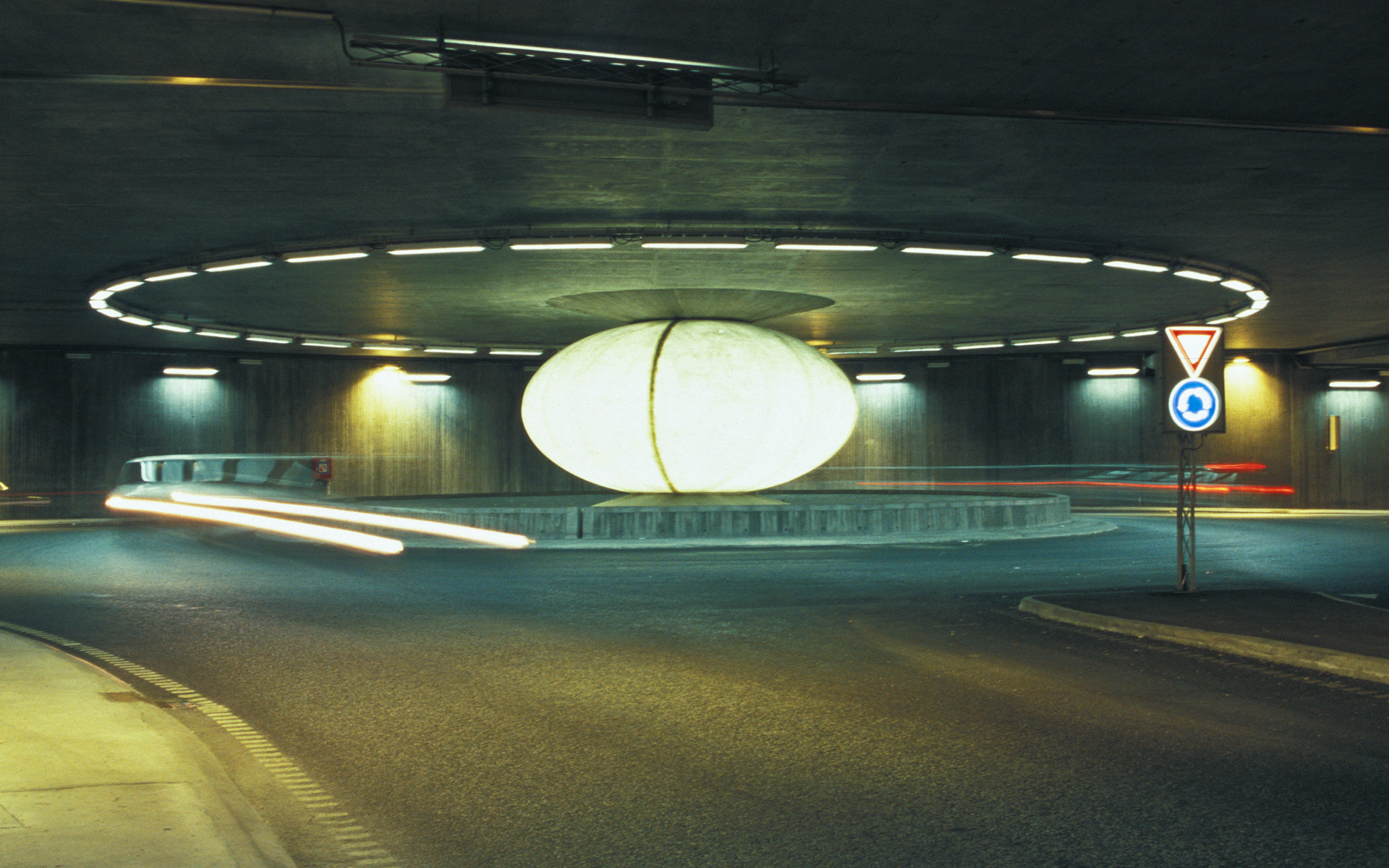 Sfæren / The Sphere