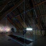 """""""Blest motBlest"""", interaktiv vindinstallasjon. Lys- og lydinstallasjonen """"Fire glass"""" i bakgrunnen"""