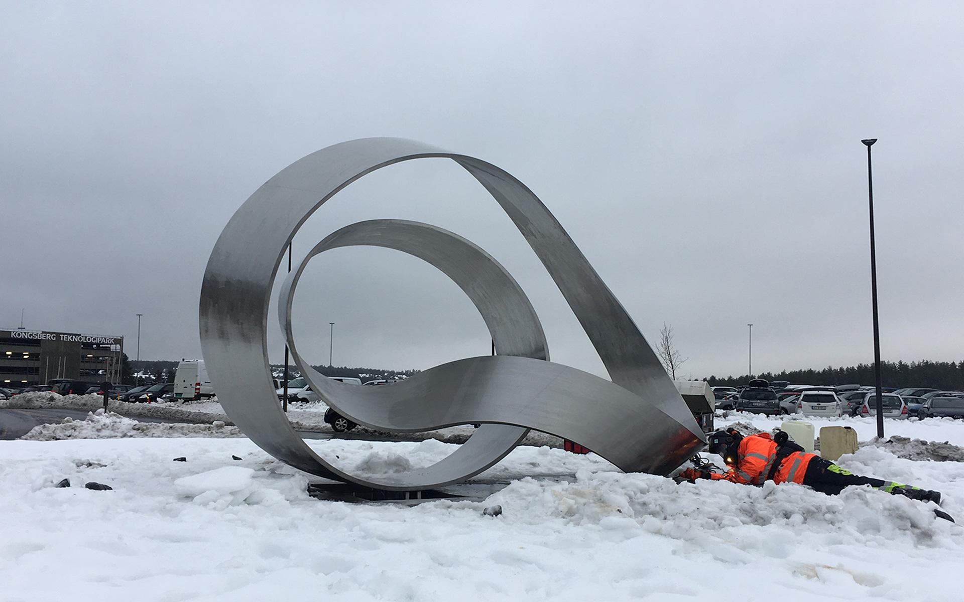 Stående Møbius, montering / Upright Moebius, installation